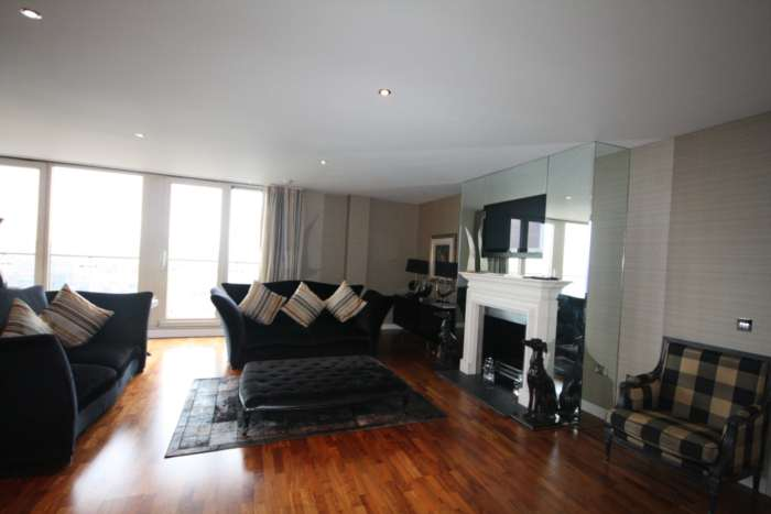 3 Bedroom Apartment, Leftbank, Manchester