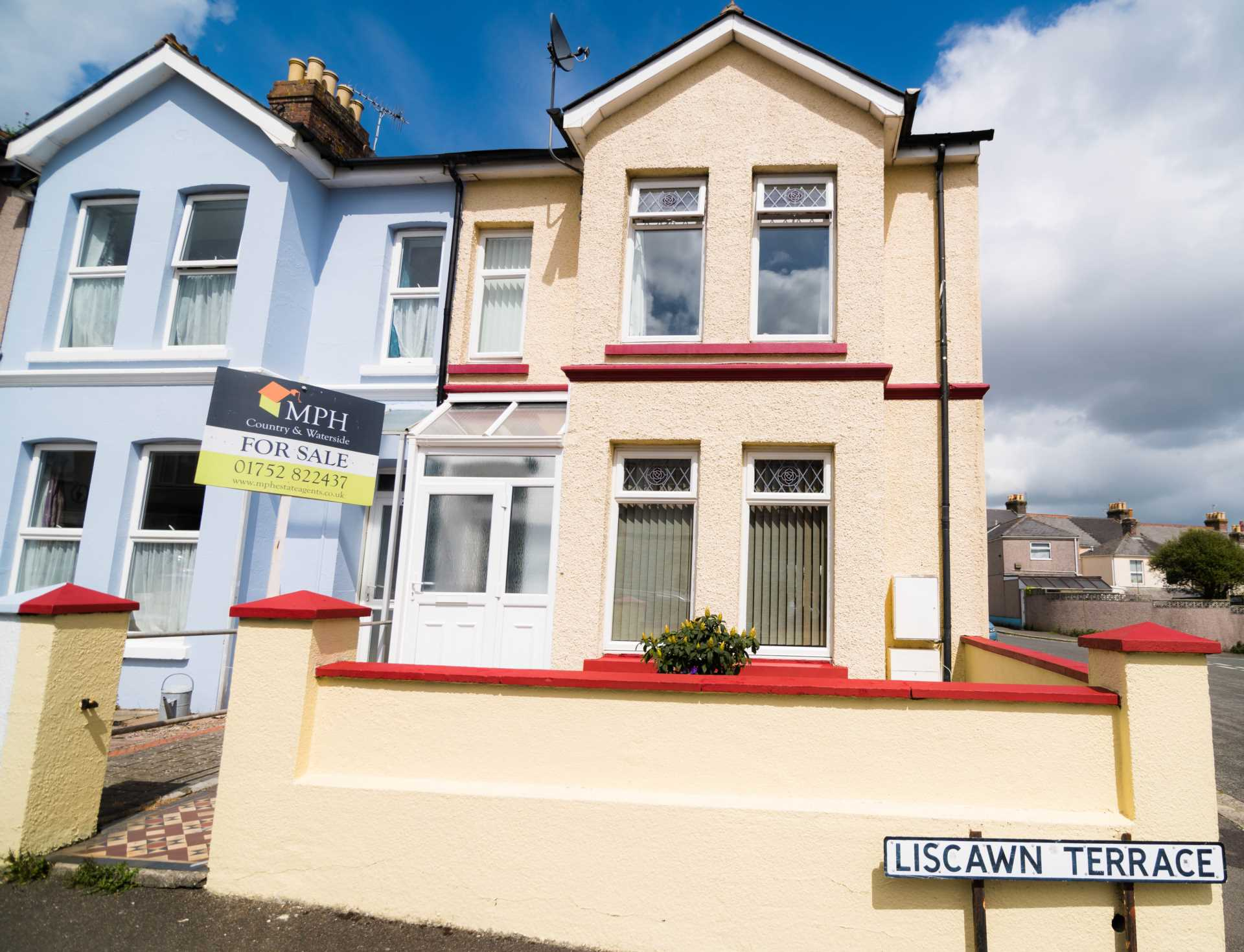 MPH Estate Agents - 4 Bedroom End Terrace, Liscawn Terrace, Torpoint