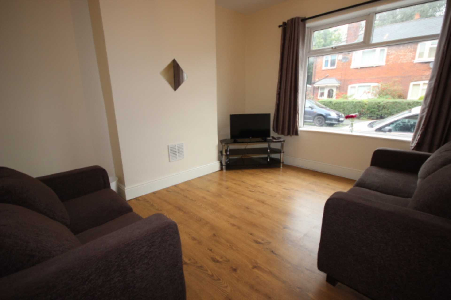 Piccadilly Property Management Ltd - 1 Bedroom Room (Double), Kingswood Road, Fallowfield, Manchester M14 6SB