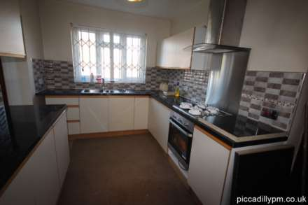 4 Bedroom House, Parrs Wood Road, Withington, Manchester M20 4RP