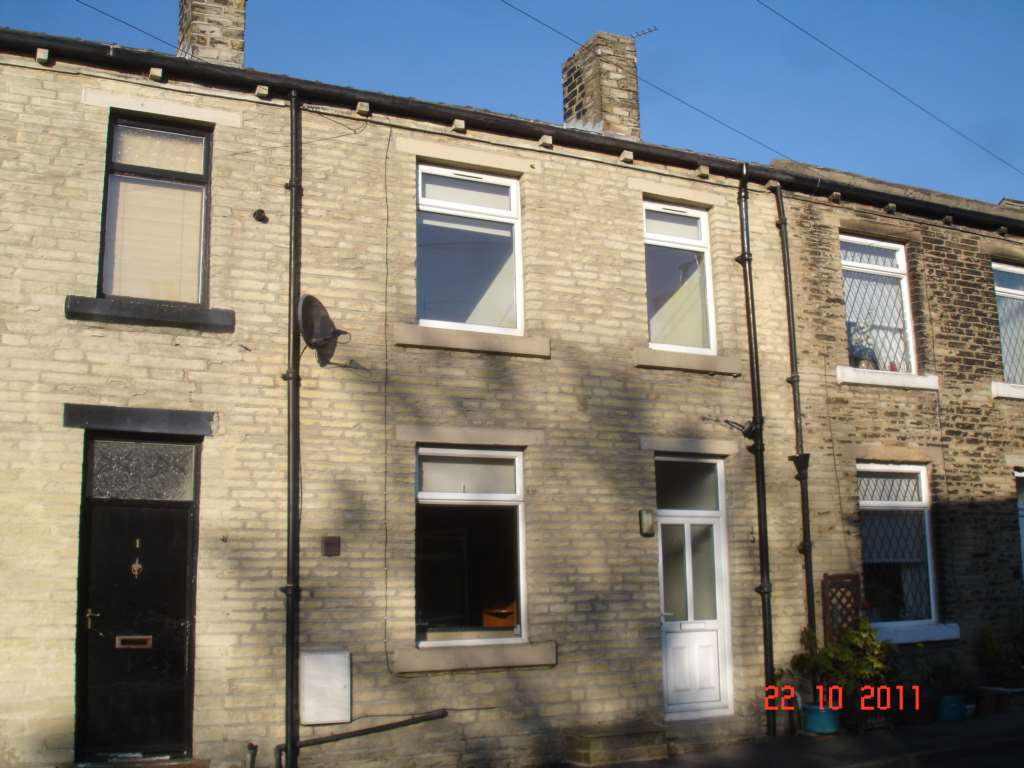 PJW Properties - 2 Bedroom Terrace, Industrial Street, Cleckheaton