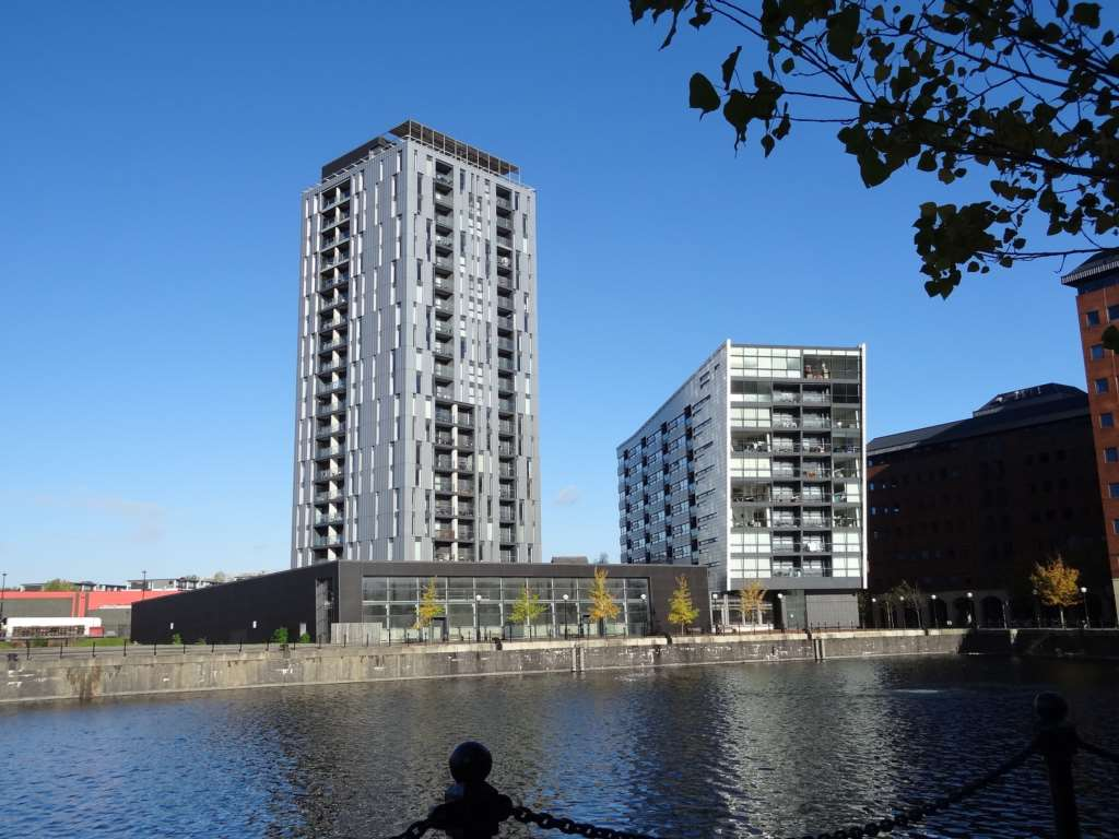 PJW Properties - 1 Bedroom Apartment, The Quays, Salford