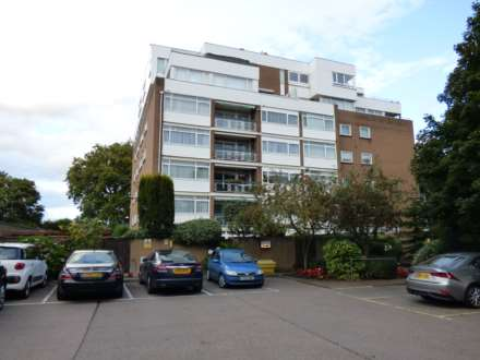 2 Bedroom Flat, The Bowls, Chigwell