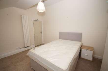1 Bedroom House Share, Room 5, Somerset Road, Heaton