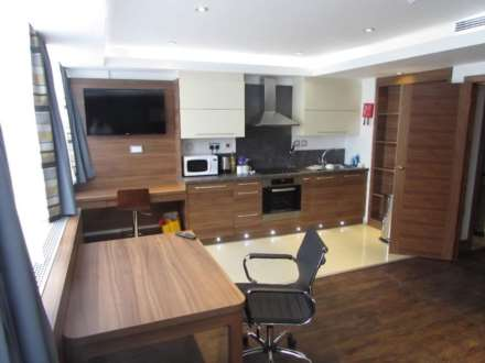 2 Bedroom Serviced Apartment, Clarendon Road, Watford