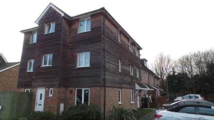 4 Bedroom House, Blackburn Way, Hounslow