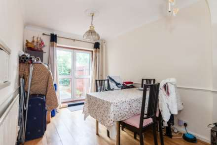 3 Bedroom Semi-Detached, Windsor Avenue, Uxbridge