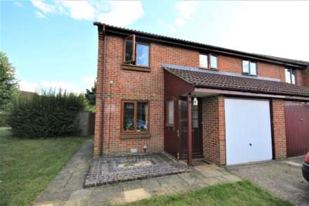 3 Bedroom End Terrace, Chesterblade Lane, Forest Park
