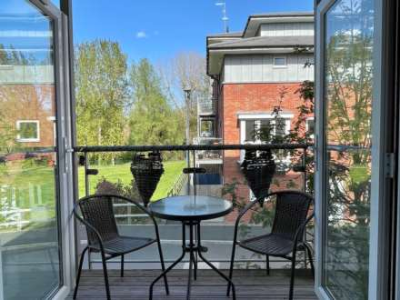 2 Bedroom Apartment, Kempton Drive, Warwick