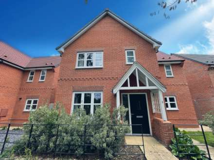 4 Bedroom Detached, Kestrel Row, Southam Grange, Southam, CV47