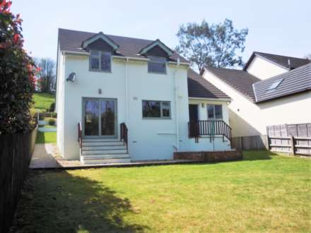 3 Bedroom Detached, Dartbridge Road, Buckfastleigh