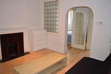 1 Bedroom Flat, Commercial Road, Aldgate East