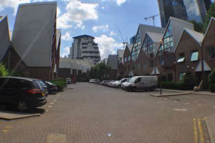 1 Bedroom Commercial Property, Sky Line Village, London