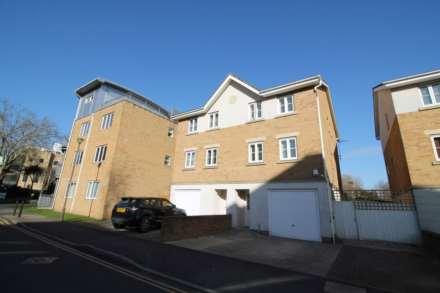 4 Bedroom Semi-Detached, London Road, Isleworth