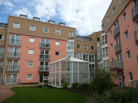 2 Bedroom Apartment, Wooldridge Close-Bedfont Lakes