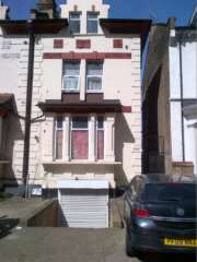2 Bedroom Flat, BASEMENT FLAT, ROMFORD ROAD, FOREST GATE, E7 9HJ