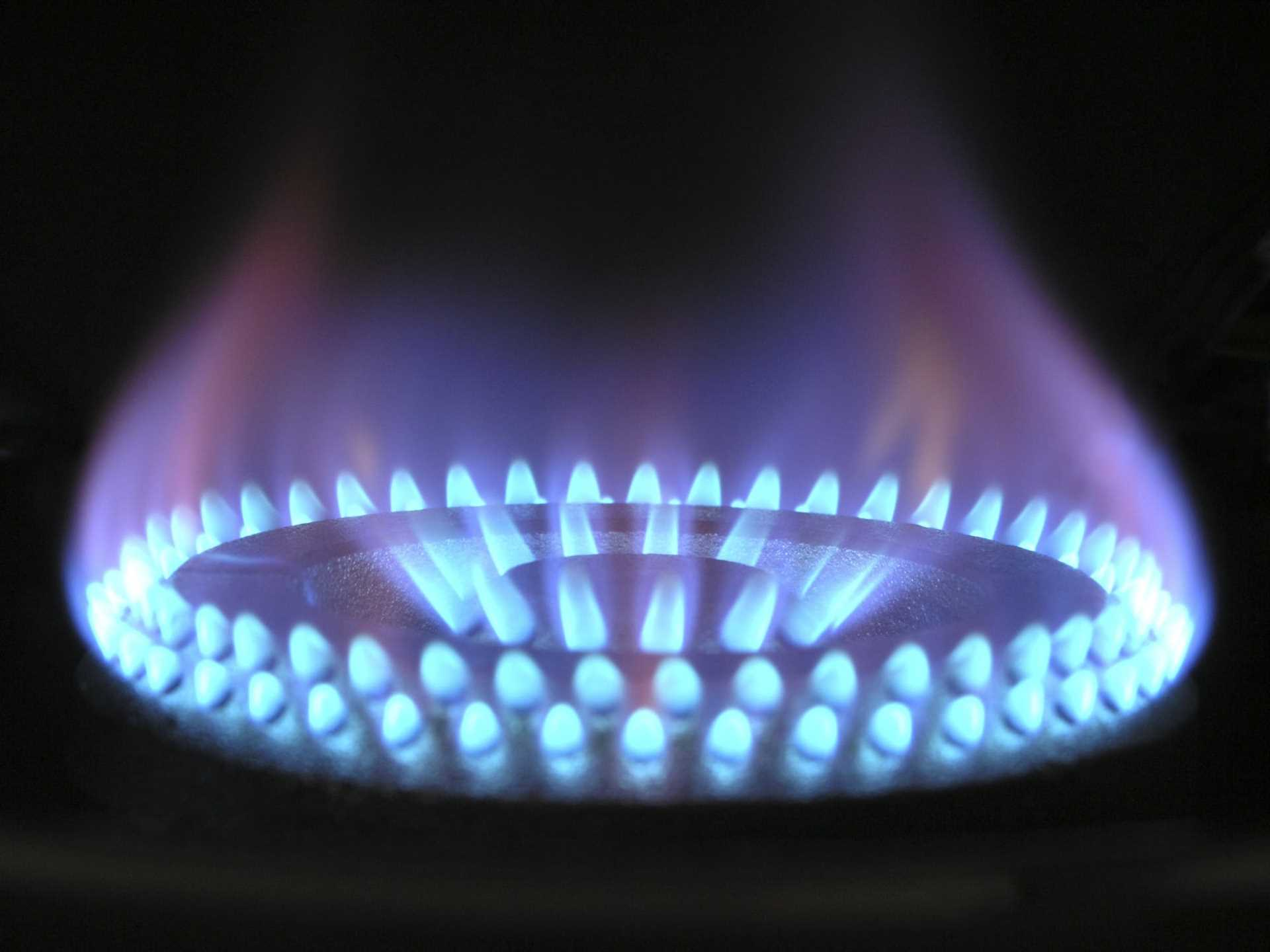 Gas Regulations; 'Danger Do Not Use` Notices