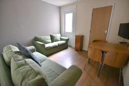 4 Bedroom Terrace, Clarendon Road, Earley