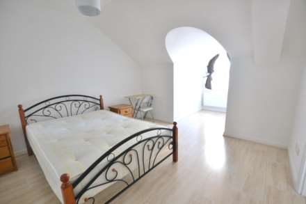 3 Bedroom Apartment, Grantely Heights, Reading