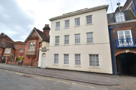 2 Bedroom Flat, SPACIOUS 2 BEDROOM FLAT - Castle Street, Reading