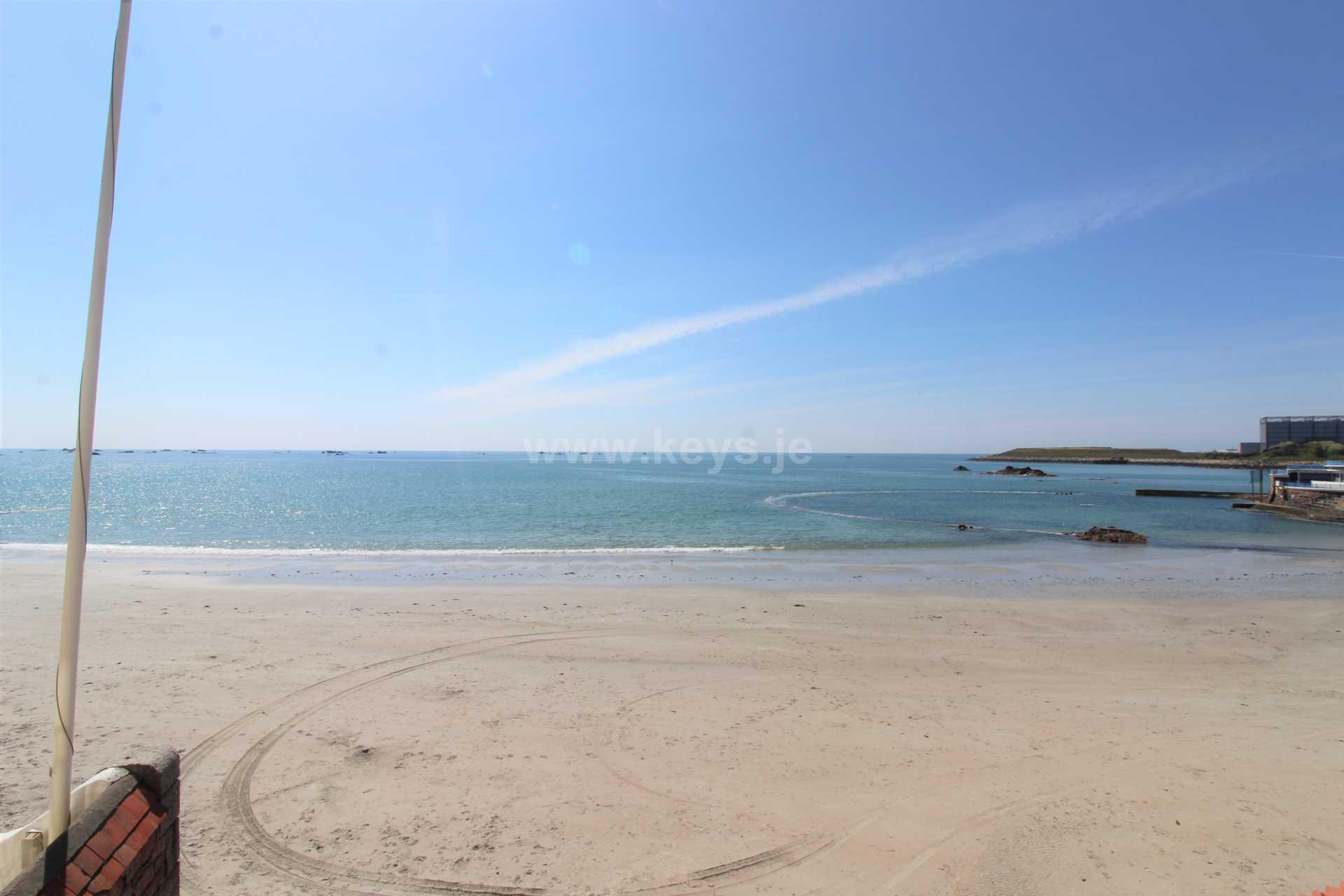 Havre Des Pas Beach, St Helier, Image 1