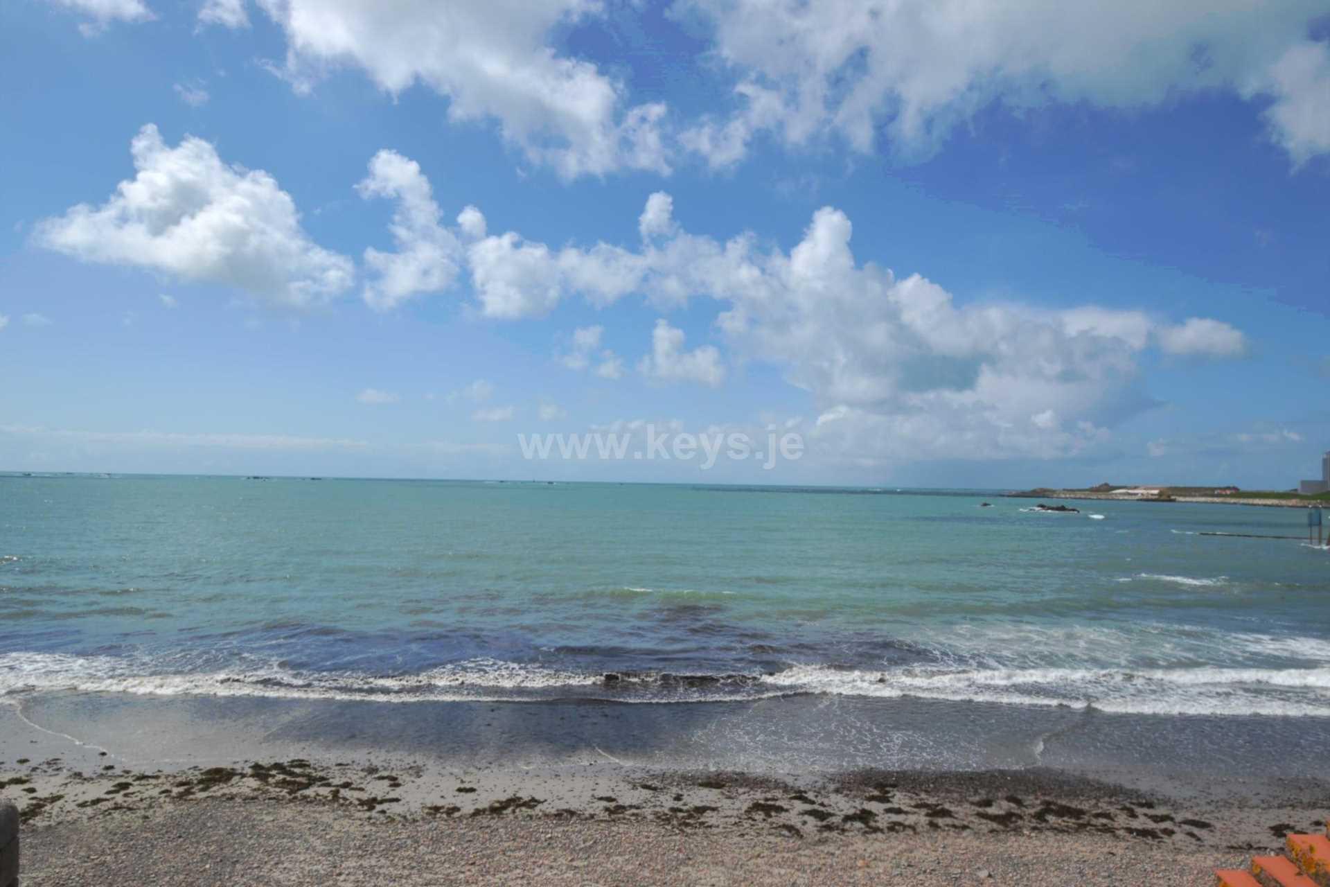 Havre Des Pas Beach, St Helier, Image 18