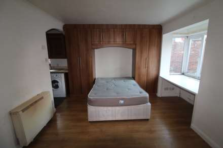 Property For Rent Kingsville Court, West Drayton