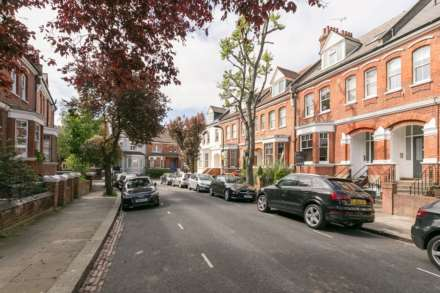 1 Bedroom Apartment, Dennington Park Road, West Hampstead, NW6