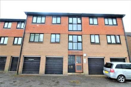 2 Bedroom Flat, York Close, Beckton