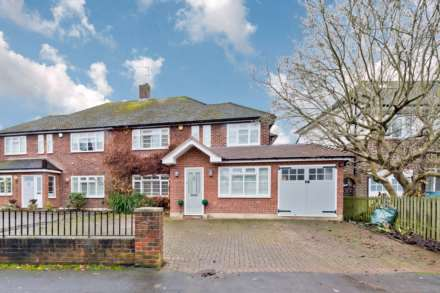 5 Bedroom Semi-Detached, Denleigh Gardens, Thames Ditton