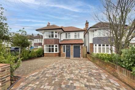 4 Bedroom Detached, Ember Gardens, Thames Ditton