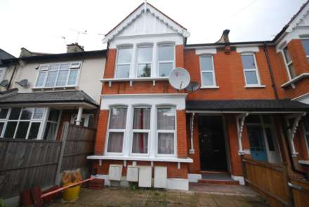 3 Bedroom Flat, Hainault Road, Leytonstone