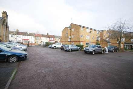 Mill Court, Leyton, Image 8