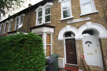 2 Bedroom Flat, Haroldstone Road, Walthamstow