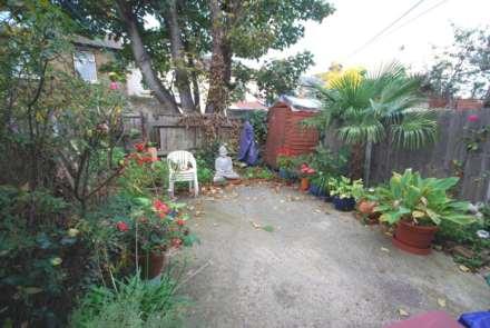 Warren Road, Leyton, Image 6