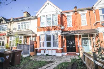 2 Bedroom Flat, Hainault Road, Leytonstone