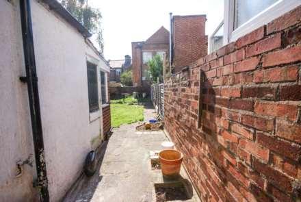Dawlish Road, Leyton, E10, Image 10
