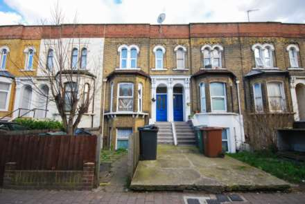 3 Bedroom Flat, High Road, Leytonstone