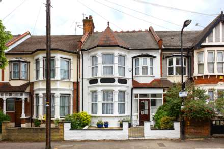 3 Bedroom Terrace, Colchester, Leyton