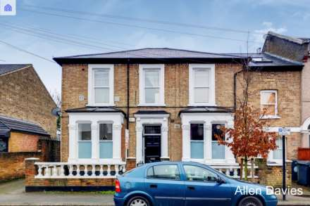 Property For Sale Thornhill Road, Leyton, London