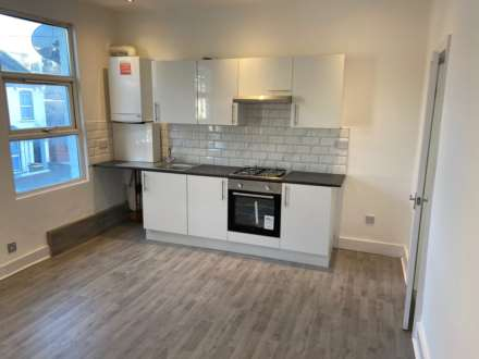 Property For Rent Caistor Park Road, Stratford, London