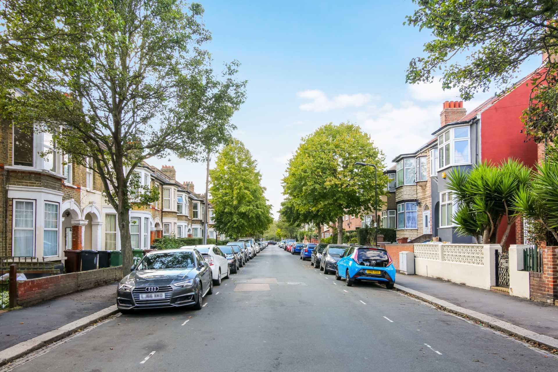 Huxley Road, Leyton, E10, Image 14