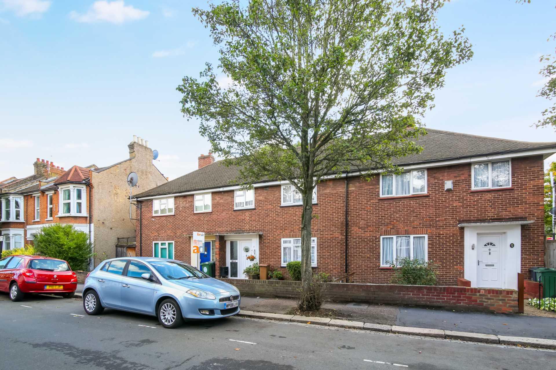 Huxley Road, Leyton, E10, Image 15