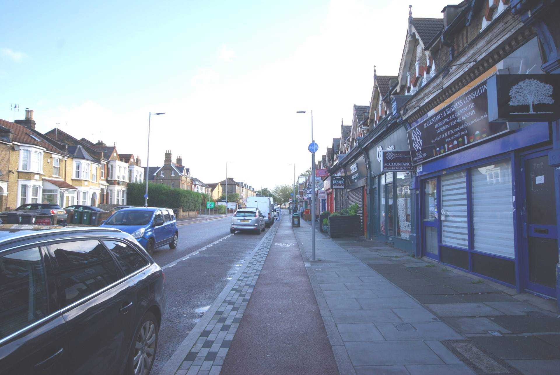 Lea bridge Road, Lea Bridge E10, Image 3