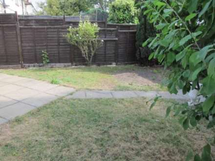 Clifton Rd, Perivale, Image 13