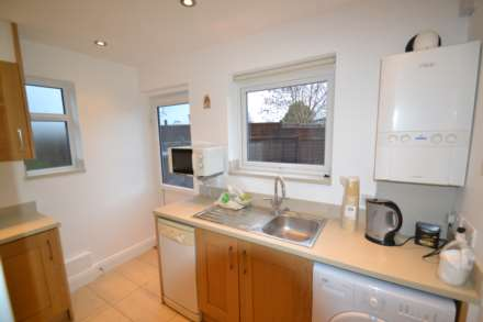 Clifton Rd, Perivale, Image 4