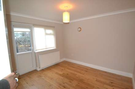 Clifton Rd, Perivale, Image 6