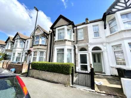3 Bedroom End Terrace, Lodge Road, Croydon