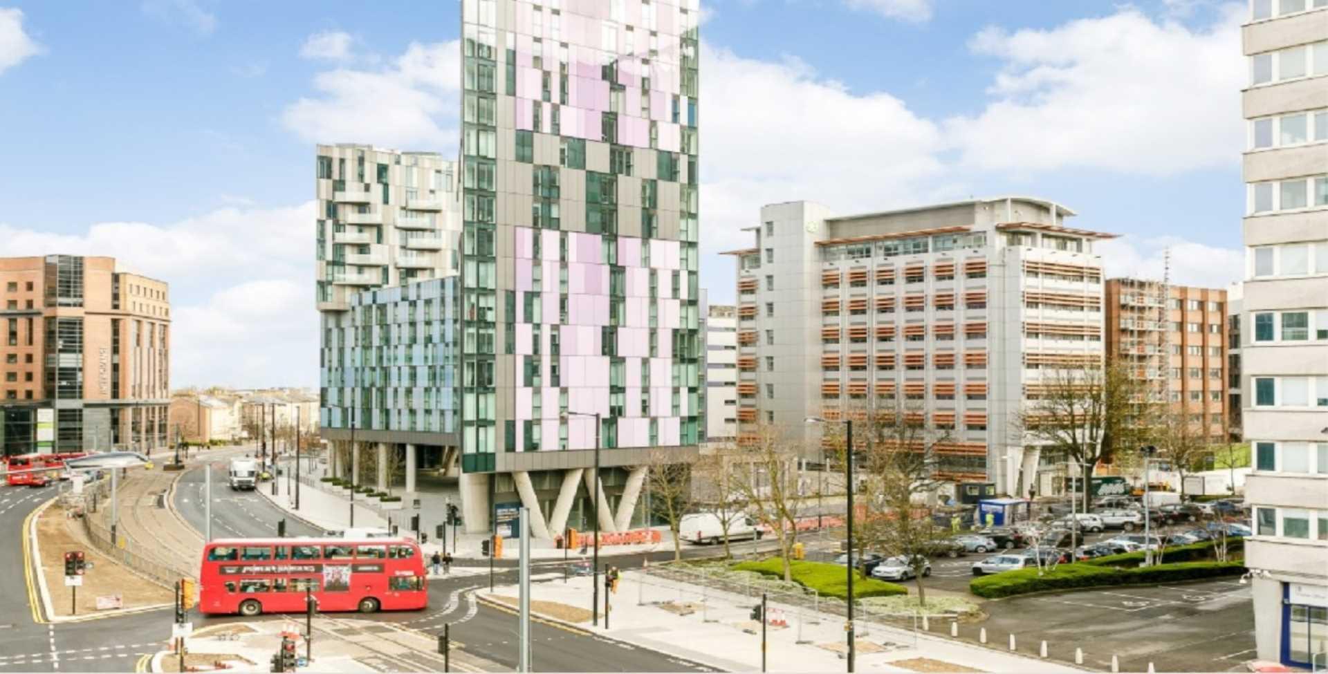 Pinnacle Apartments, Saffron Square, Central Croydon, Image 16