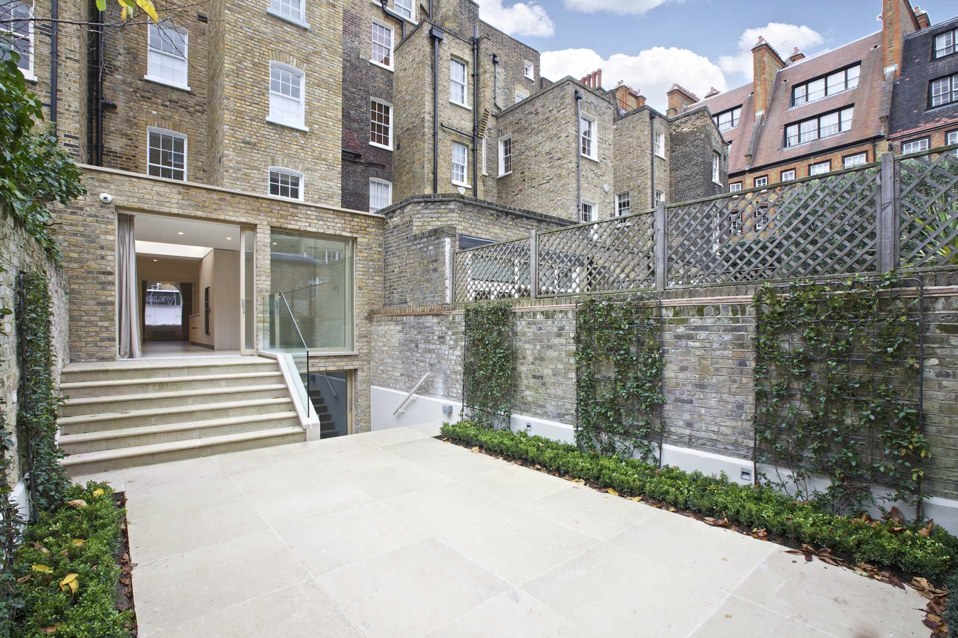 Eaton Terrace, London, Image 4